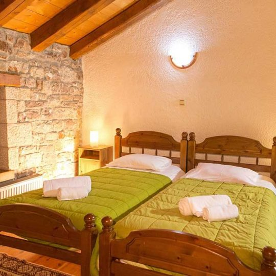 http://winter1b.hotel-sites.bookoncloud.com/wp-content/uploads/sites/99/2016/02/klokos_sofita_krevatia-540x540.jpg